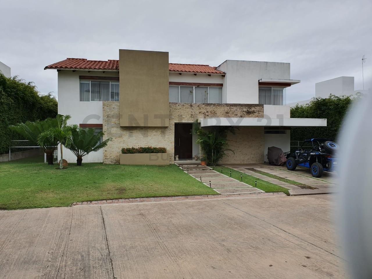 Casa en Alquiler Colinas del Urubo 1 Foto 2