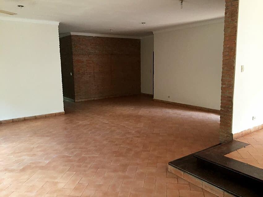 Casa en Venta Av. La Barranca, pasando 3 cuadras el 3er anillo. Foto 6