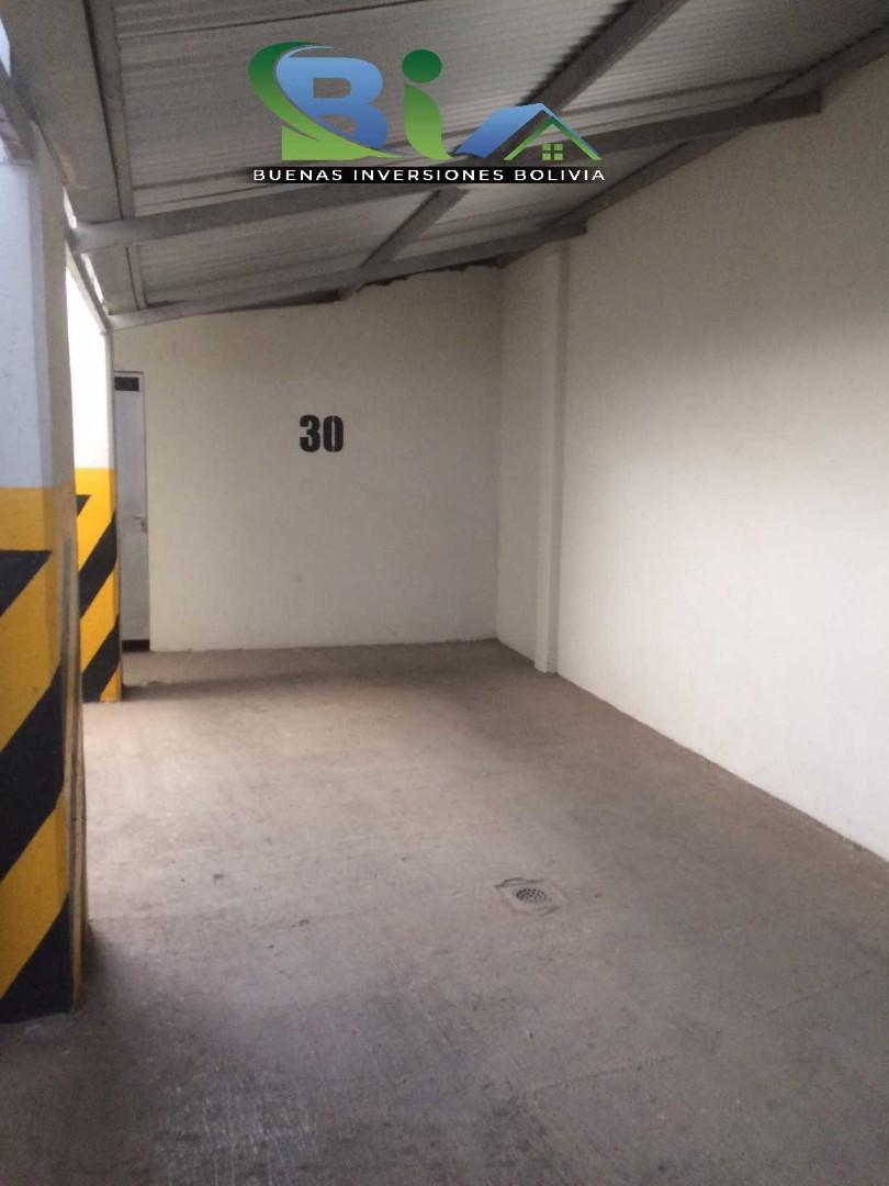 Departamento en Alquiler $us 500.- DEPARTAMENTO BONITO CALA CALA Foto 4