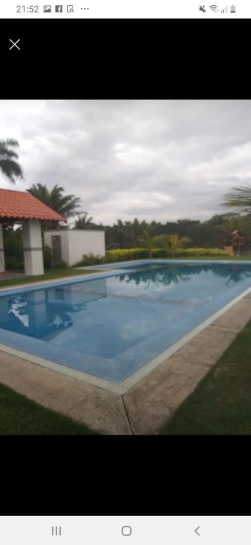 Terreno en Venta Condominio Resort Laguna Vista Urubo, a 20 min. de la Ciudad, entrando por Villa Bonita, Excelente Camino Pavimentado. Foto 4