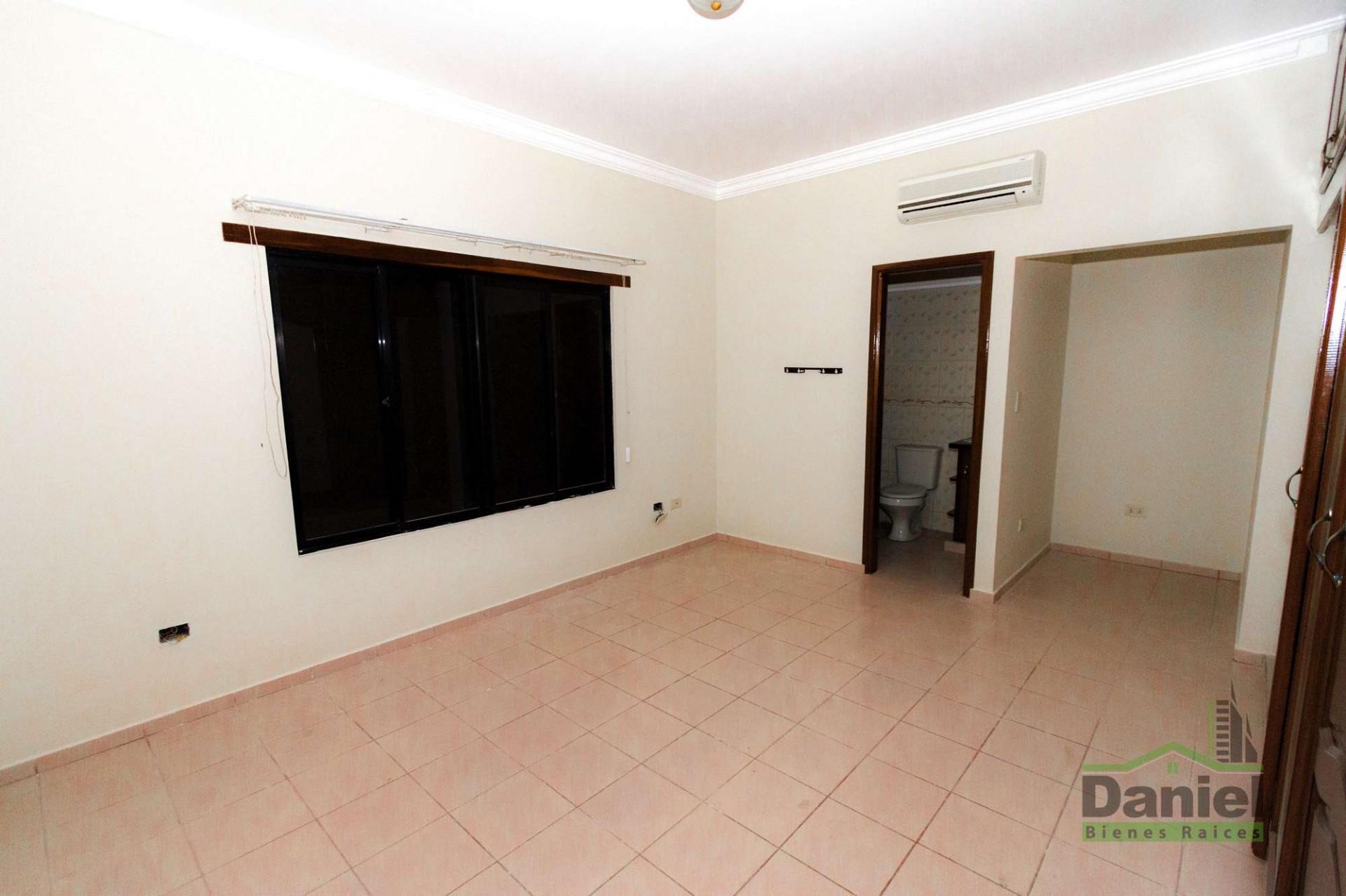 Casa en Venta CASA GRANDE ENTRE 4TO Y 5TO ANILLO RADIAL 27 Foto 16