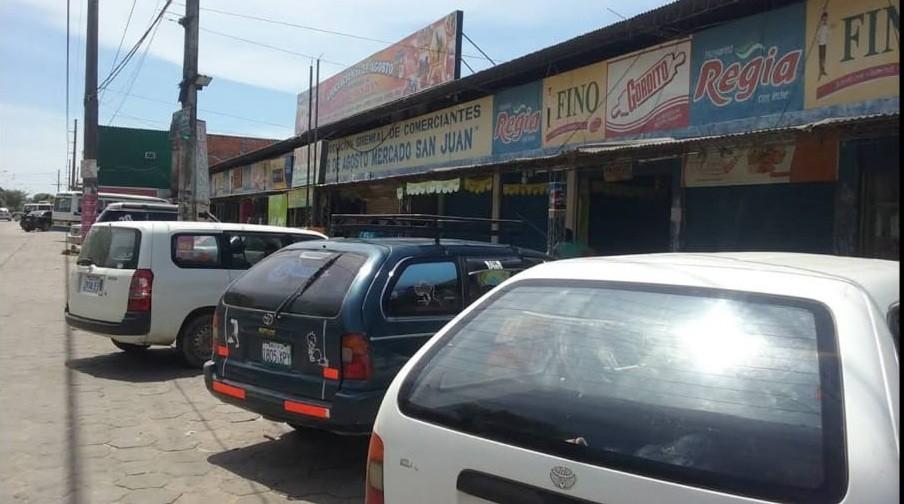 Local comercial en Venta Mercado San Juan Av. Cumavi 5TO Anillo Foto 5