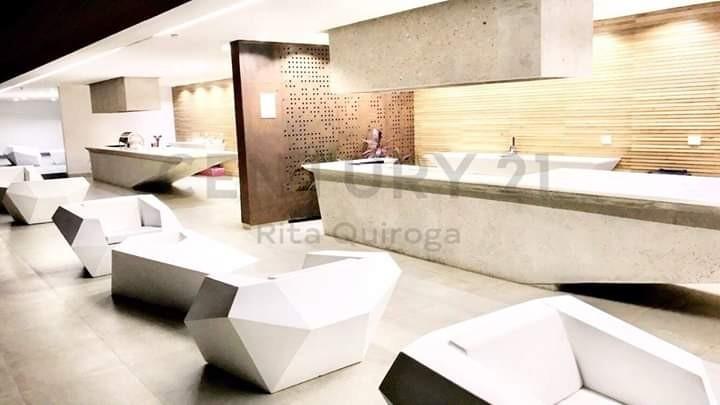 Departamento en Alquiler Condominio Zero . Av Noel Kempf pasillo Landivar Foto 9