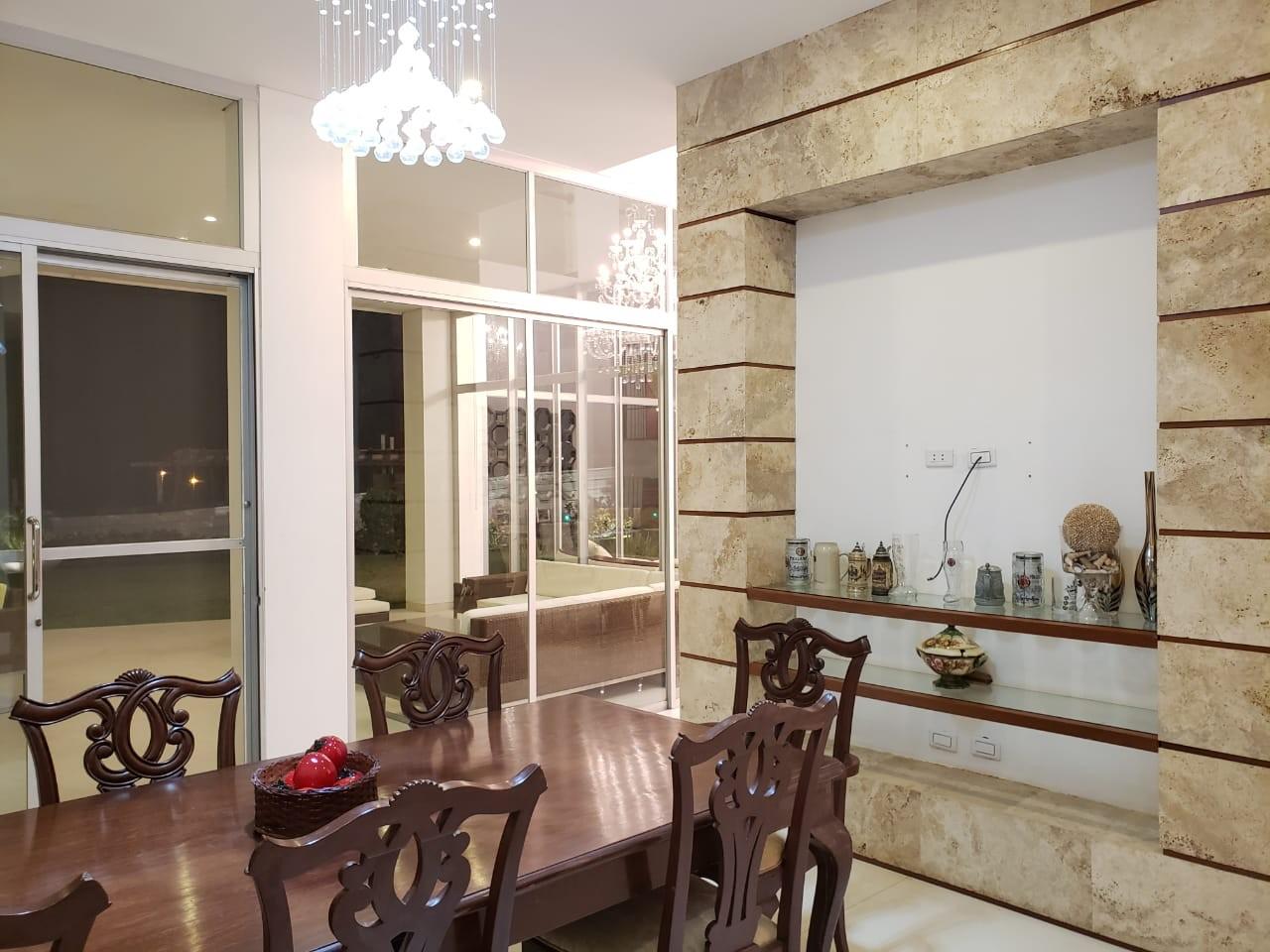Casa en Venta HERMOSA CASA EN VENTA EN COLINAS DEL URUBO S1 Foto 7