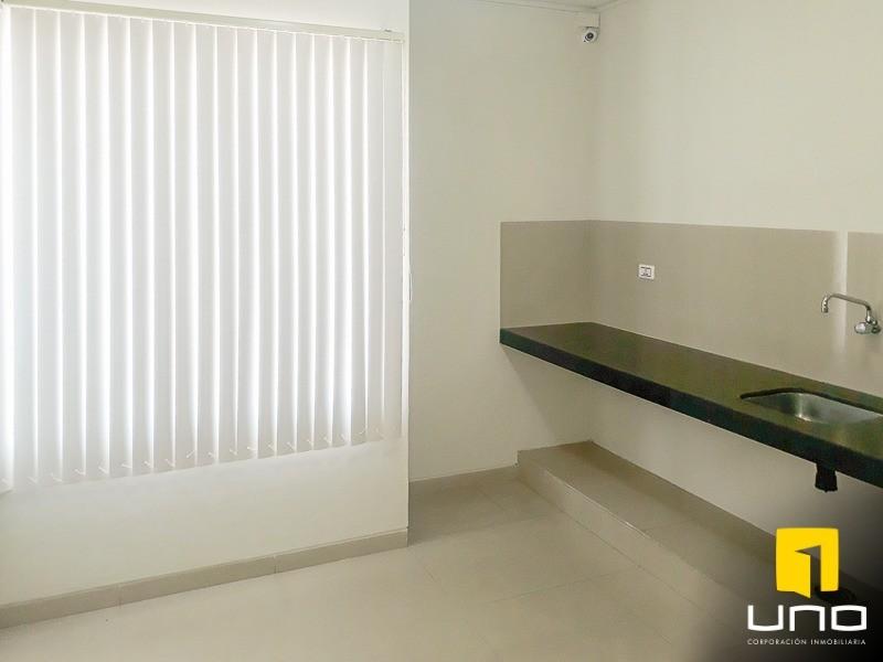 Casa en Alquiler ZONA AV. ROCA CORONADO ENTRE 2DO Y 3ER ANILLO, EXCLUSIVAMENTE PARA OFICINAS DE EMPRESAS Foto 4