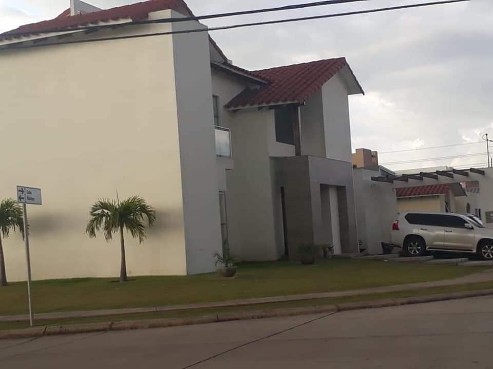 Casa en Venta Santa cruz colina urubo Foto 5