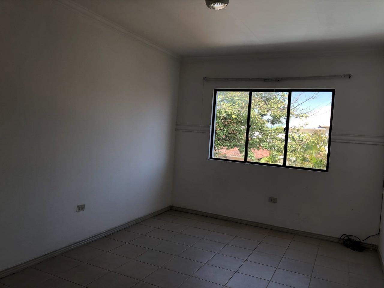 Casa en Alquiler Av Piraí y 4to anillo  Foto 37