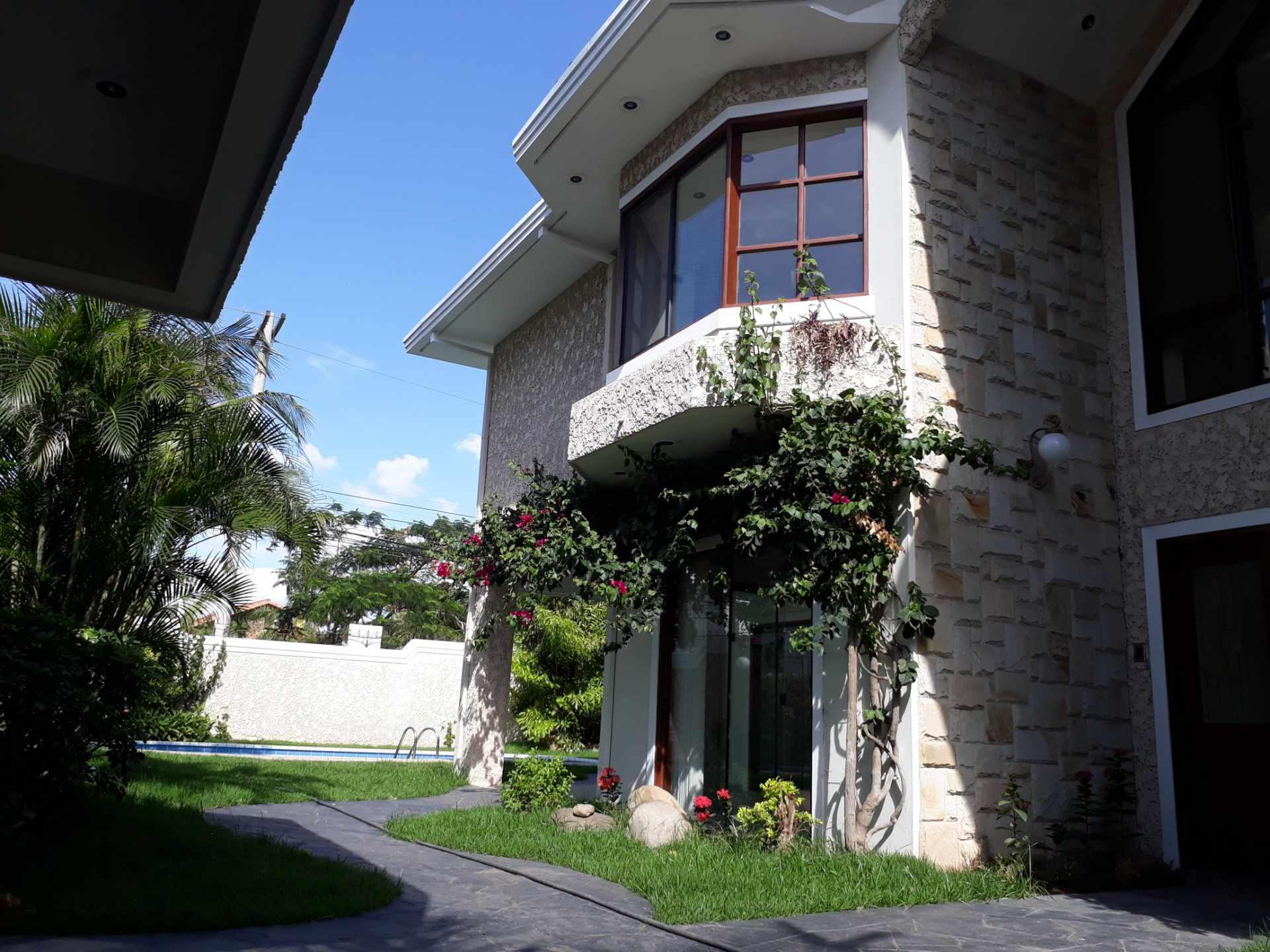 Casa en Alquiler Equipetrol, Norte  Foto 3