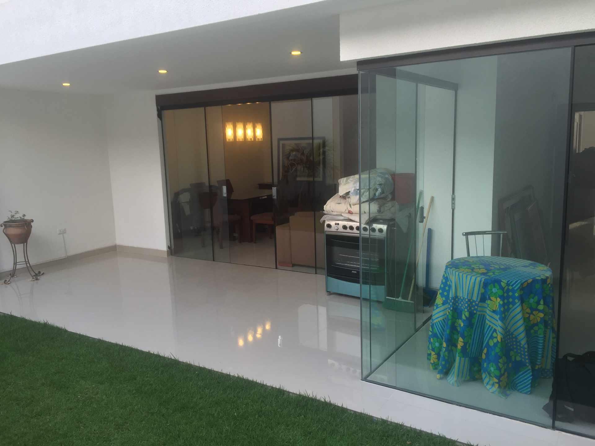 Casa en Alquiler Av. Pirai entre 4to y 5to anillo Cond. Santa Monica Foto 3