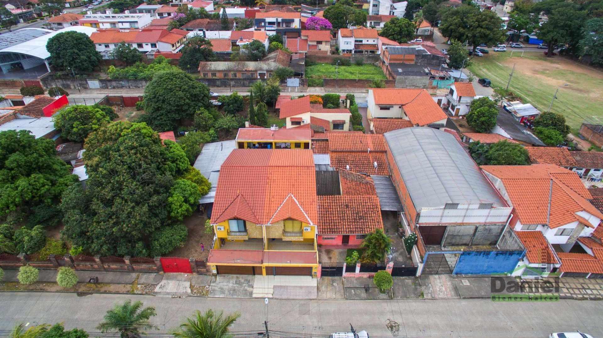 Casa en Venta EN VENTA BONITA CASA RADIAL 27 Y CALLE LOS GUAPOS Foto 15