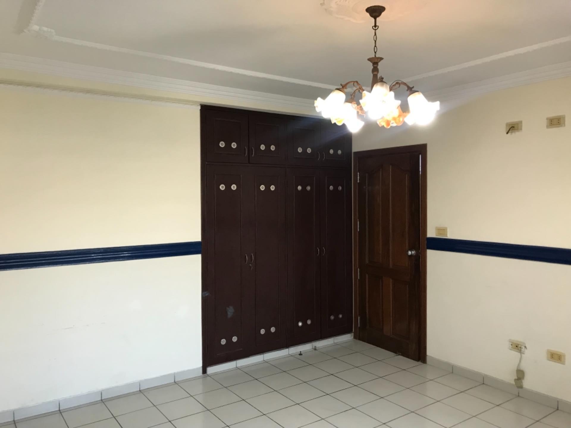Casa en Alquiler Para empresa- Casa semi independiente - NORTE Foto 9