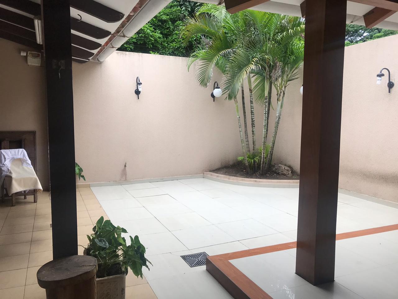 Casa en Venta AV. Hilanderia entre 4to y 5to anillo, entre Av. Pirai y Radial 17/5 Foto 3
