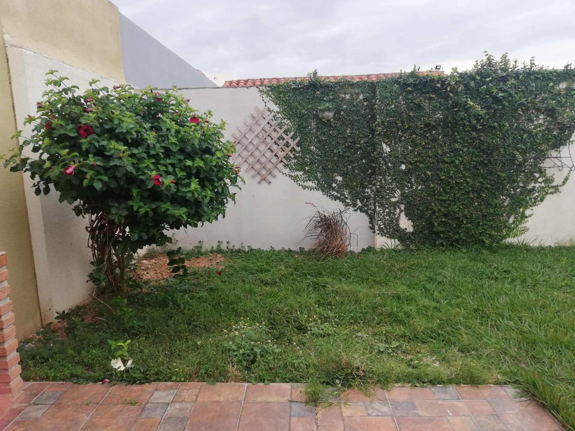 Casa en Venta Av Banzer Km. 10, Condominio Sevilla Terrazas II Foto 9