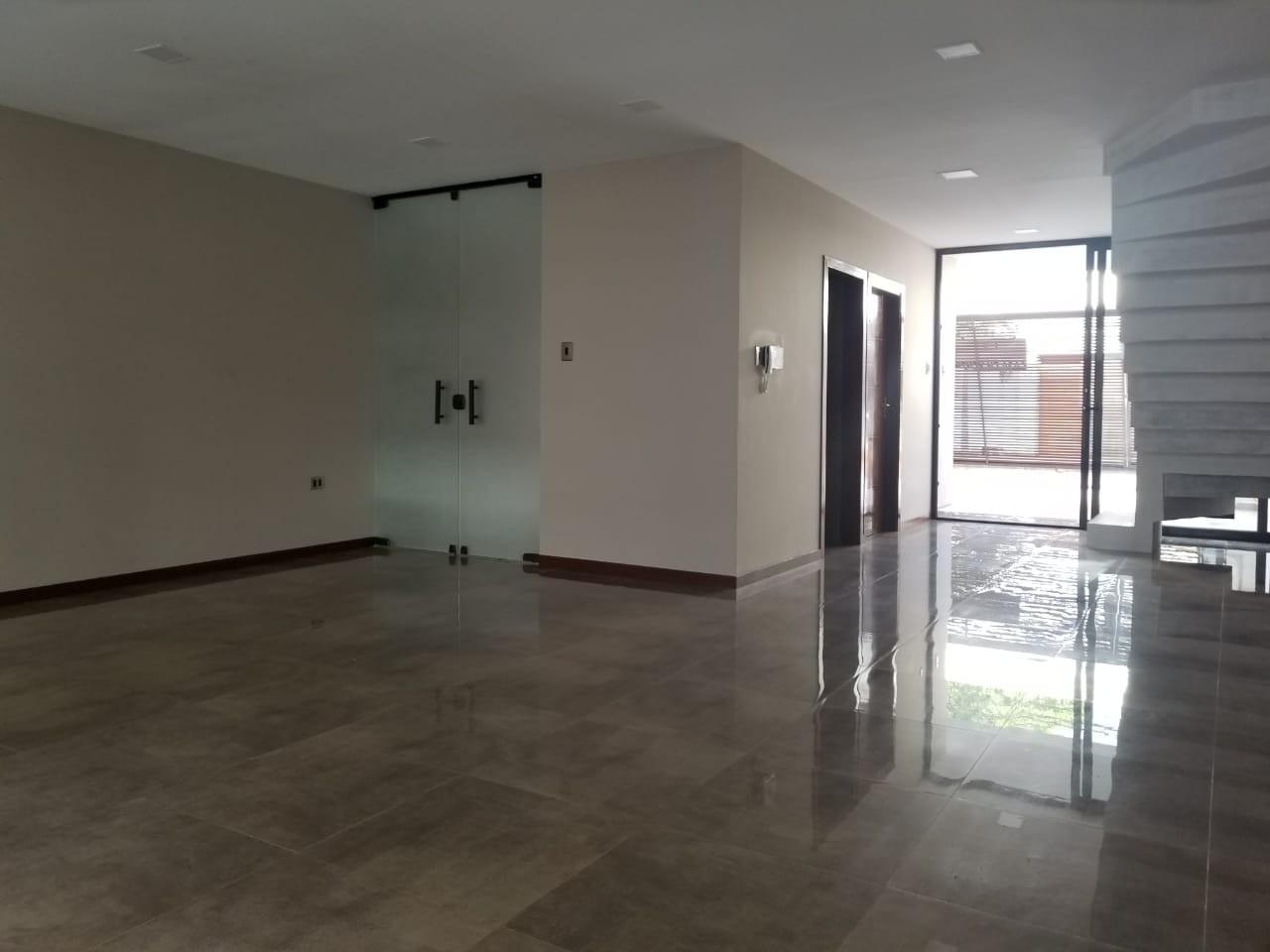 Casa en Venta Avenida Roca y Coronado 3er Anillo  Foto 15