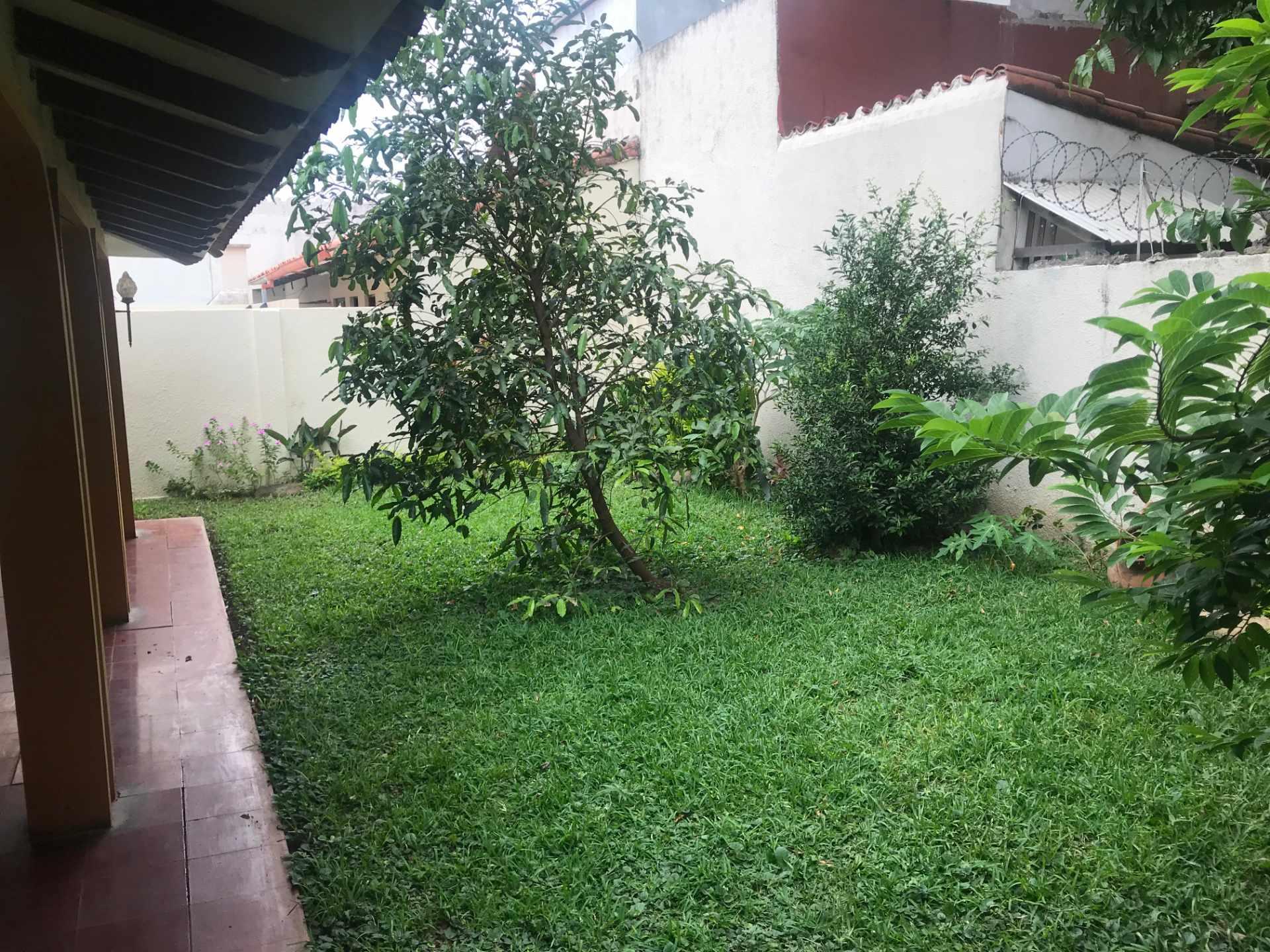 Casa en Venta Zona Sur de la Ciudad, Barrio Ramafa frente al Colegio Militar de Aviación. Foto 3