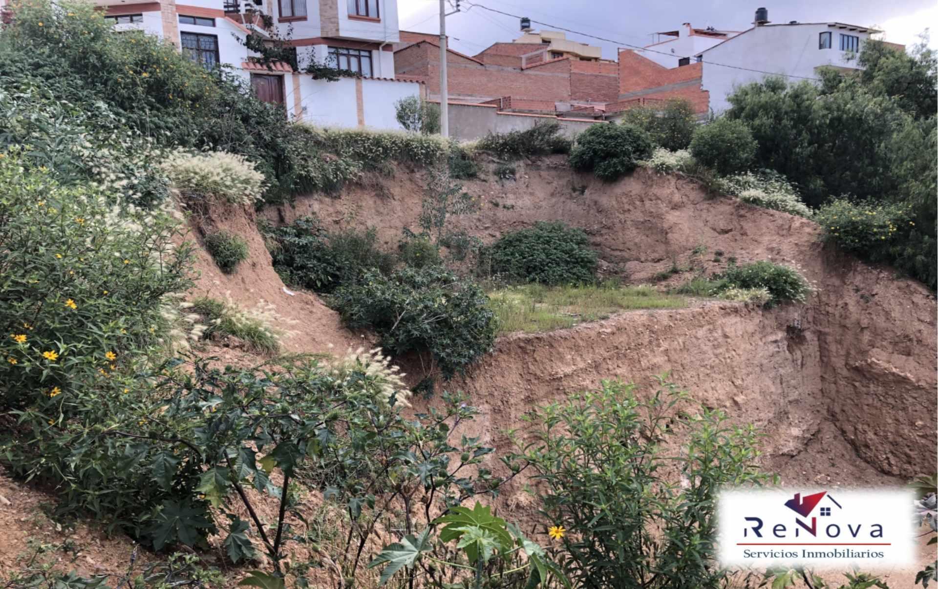 Terreno en Venta Barrio SENAC Calle Tolomosa Esq. Cañón Verde Foto 2