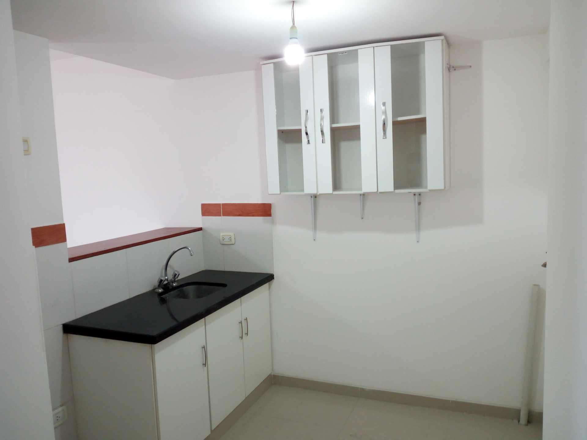 Departamento en Venta Entre 3er y 2do Anillo, Av. Guapay (Canal Cotoca) Foto 8