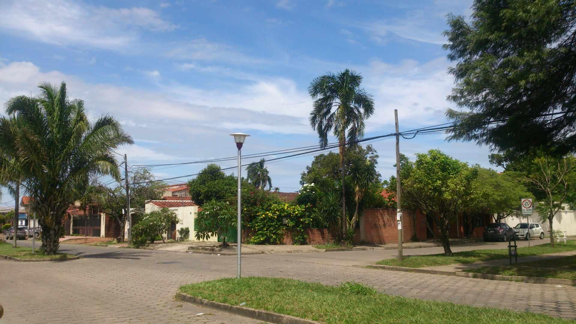 Casa en Venta AV. SANTOS DUMONT Y AV.PILCOMAYO Foto 3