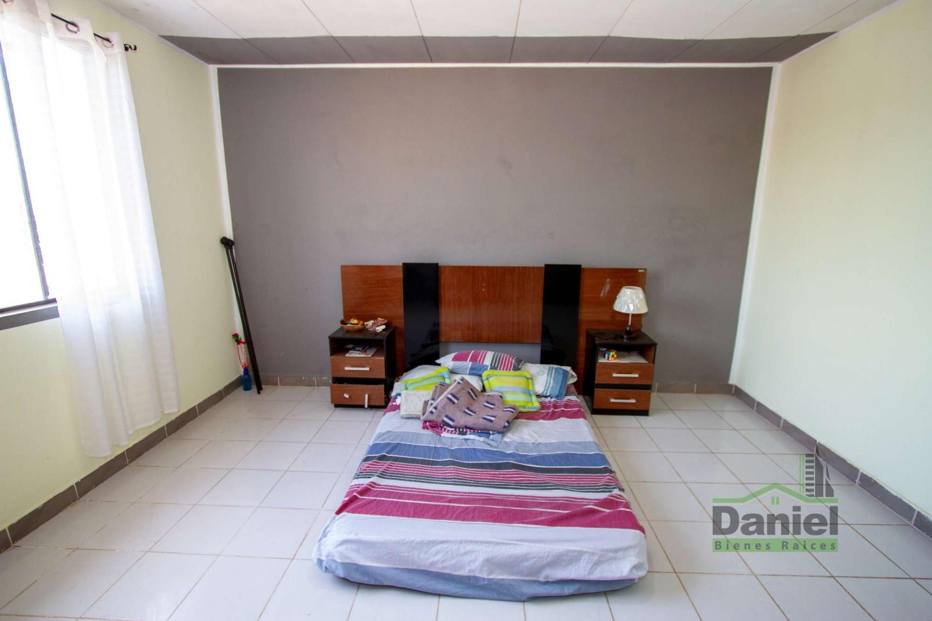 Casa en Venta EN VENTA CASA EN WARNES (LADO DERECHOS REALES) Foto 14