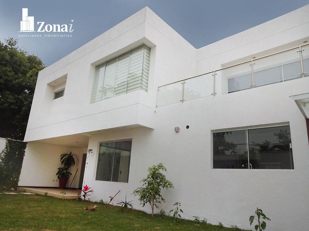 Casa en Venta VIVIENDA DE 4 SUITES EN °CONDOMINIO EXCLUSIVO DE LA ZONA NORTE° Zona Norte 8vo anillo Av. Banzer. Foto 4