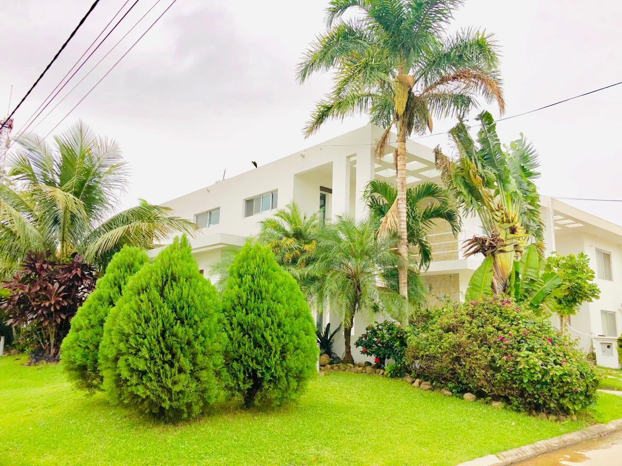 Casa en Alquiler Zona Urubo - Condominio Jardines del Urubo - lado de Restaurante Casa del Camba - a 1 minuto del Puente principal. Foto 7