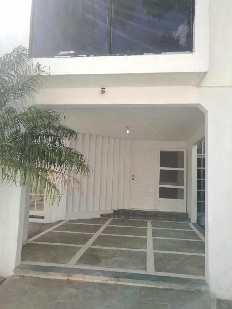 Casa en Alquiler Barrio Villa Mercedes Foto 3