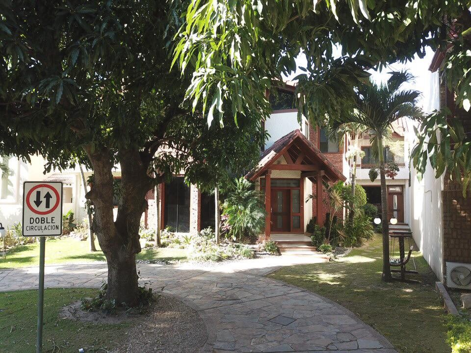 Casa en Alquiler Av. Banzer 4to anillo, Condominio Barrio Norte Foto 17