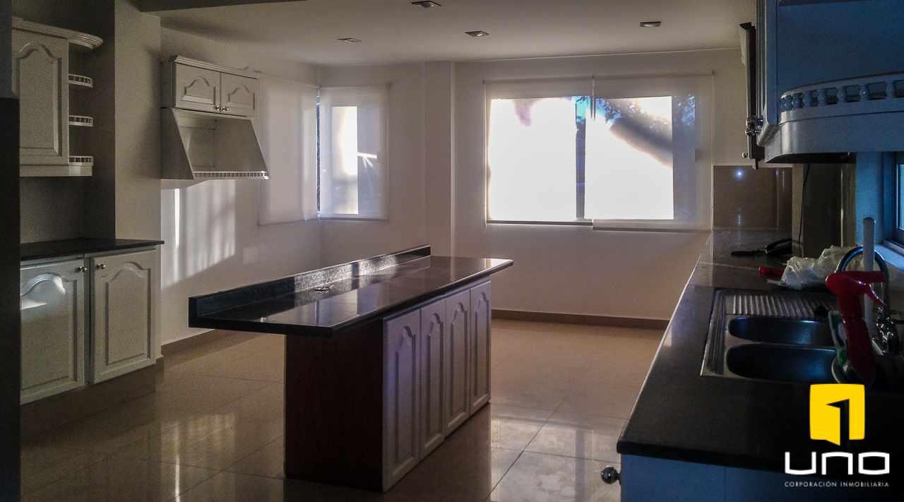 Casa en Venta Av. Banzer 6to Anillo Foto 6