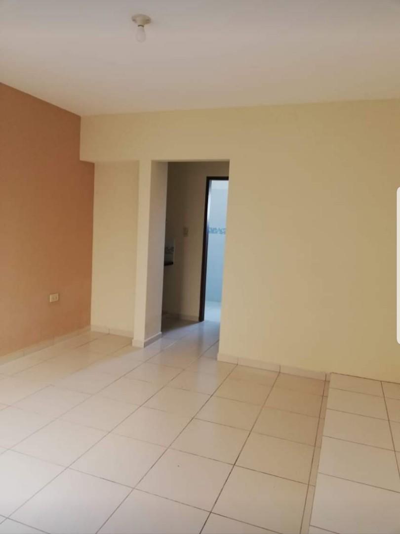 Casa en Venta Urb. Chiriguano zona Av. Santos dumont 6° y 7° Foto 8