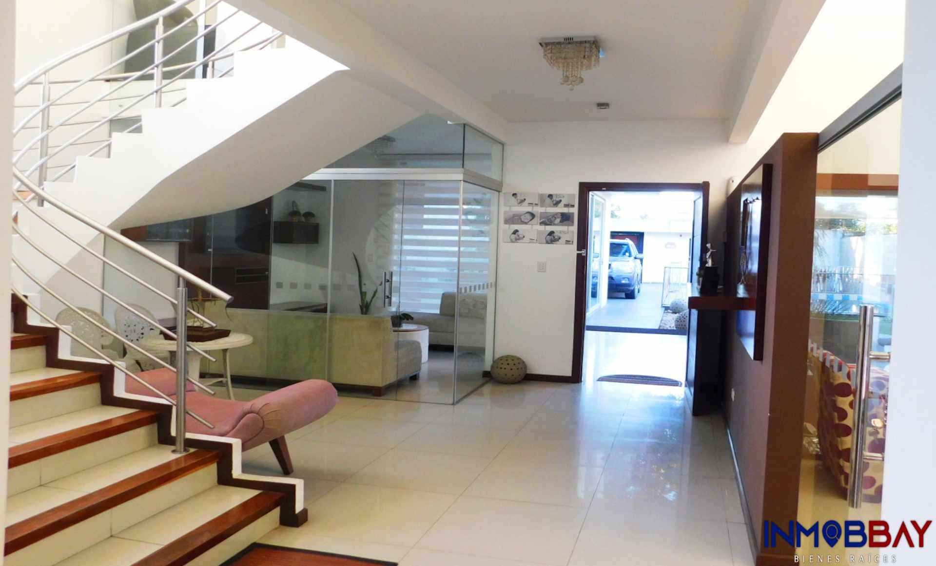 Casa en Venta AMPLIA CASA MINIMALISTA DE 2 PLANTAS RADIAL 27 Y CUARTO ANILLO Foto 5