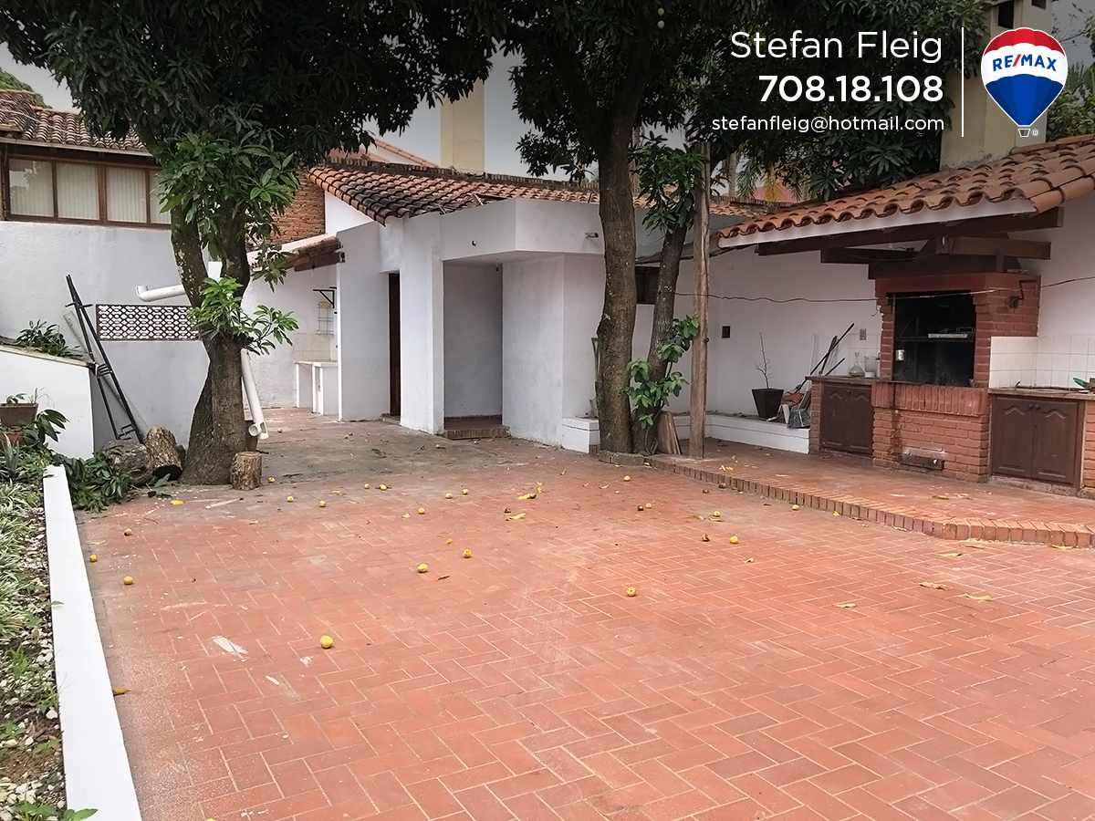 Casa en Venta Casa Avenida Beni entre 2do y 3er anillo, calle Guapomo Foto 10