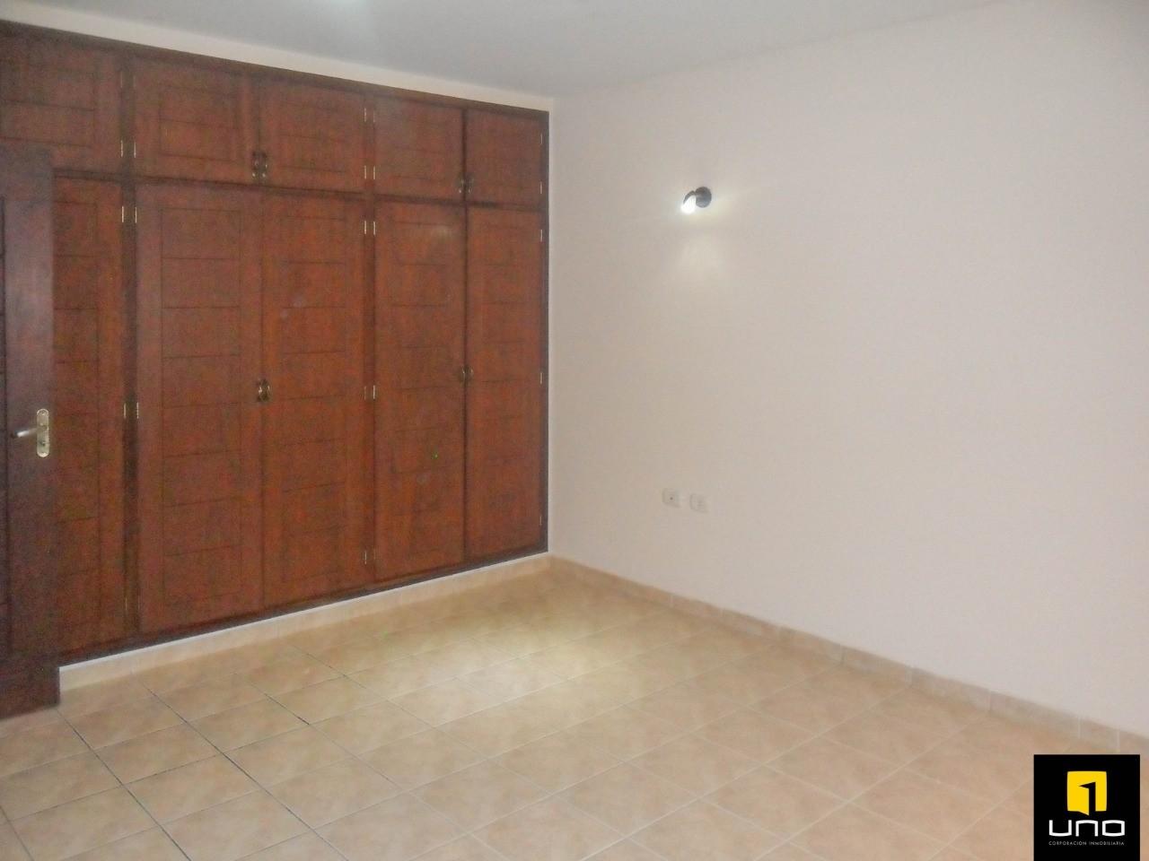 Casa en Alquiler ZONA OESTE, BARRIO LAS PALMAS Foto 10