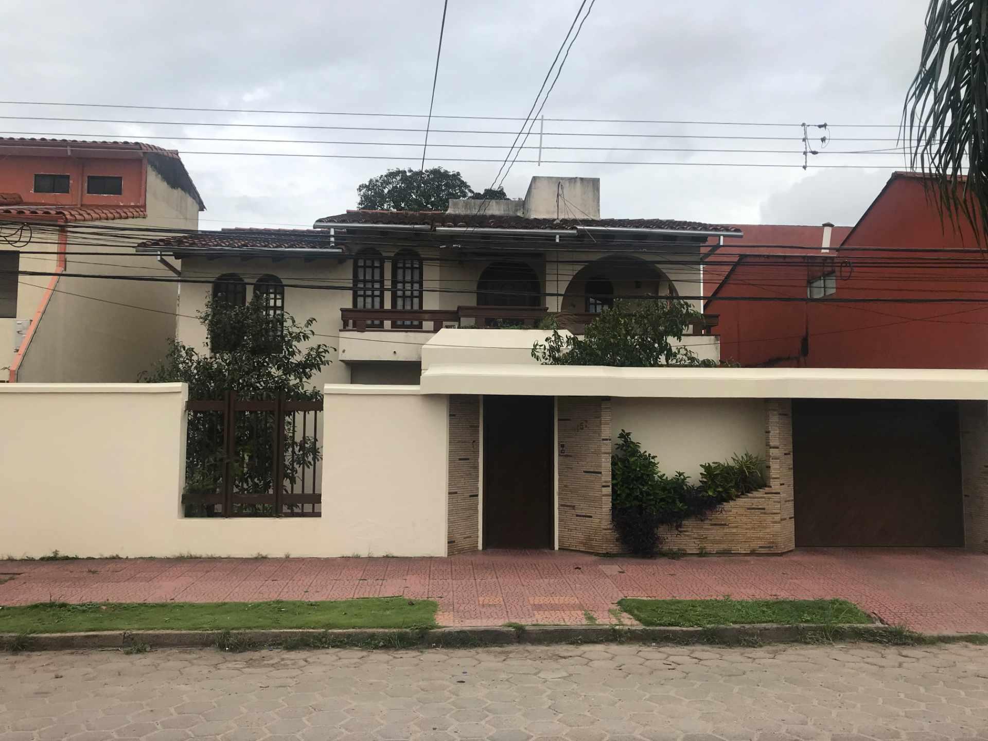 Casa en Venta Zona Sur de la Ciudad, Barrio Ramafa frente al Colegio Militar de Aviación. Foto 8