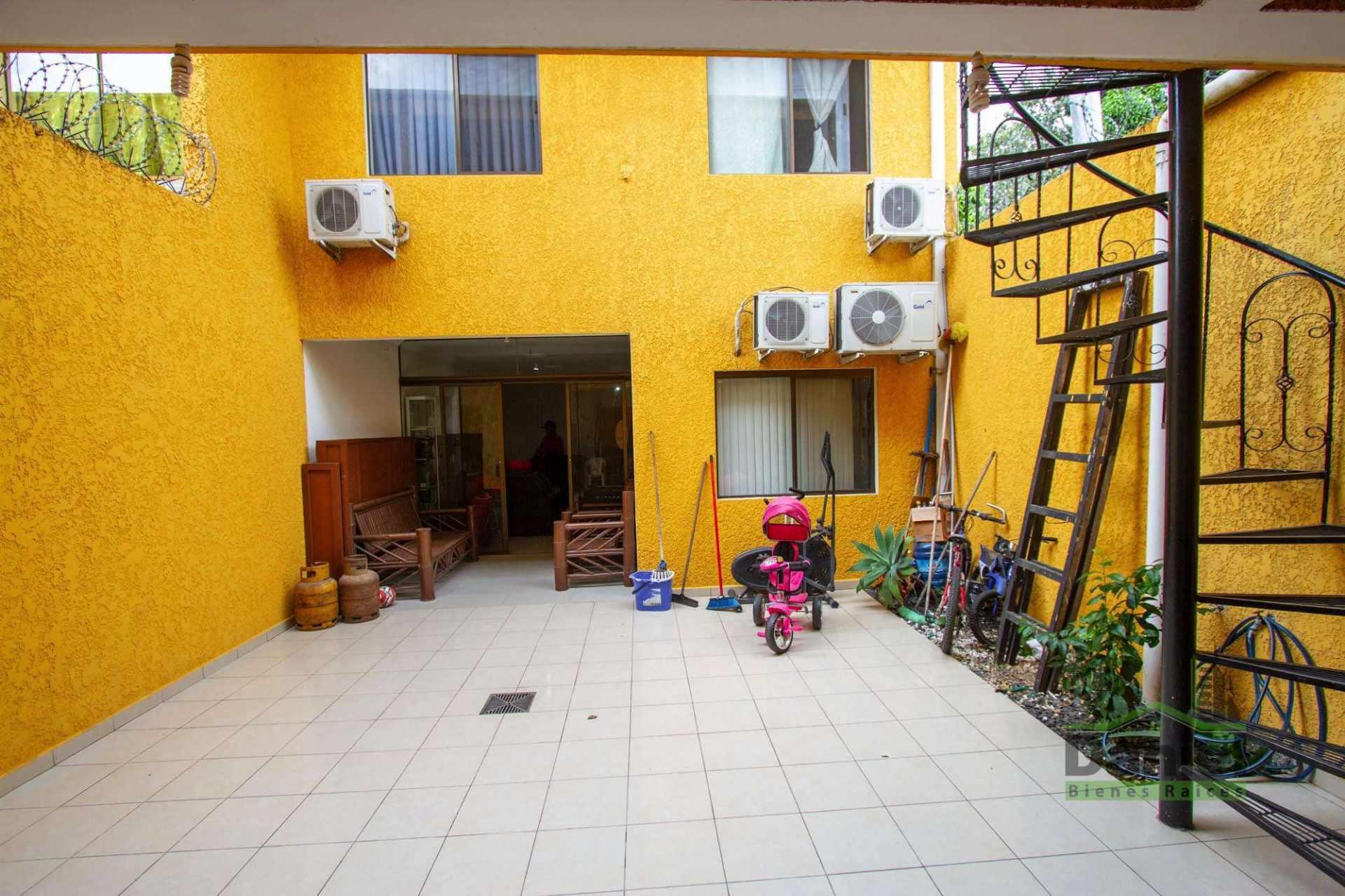 Casa en Venta EN VENTA BONITA CASA RADIAL 27 Y CALLE LOS GUAPOS Foto 12