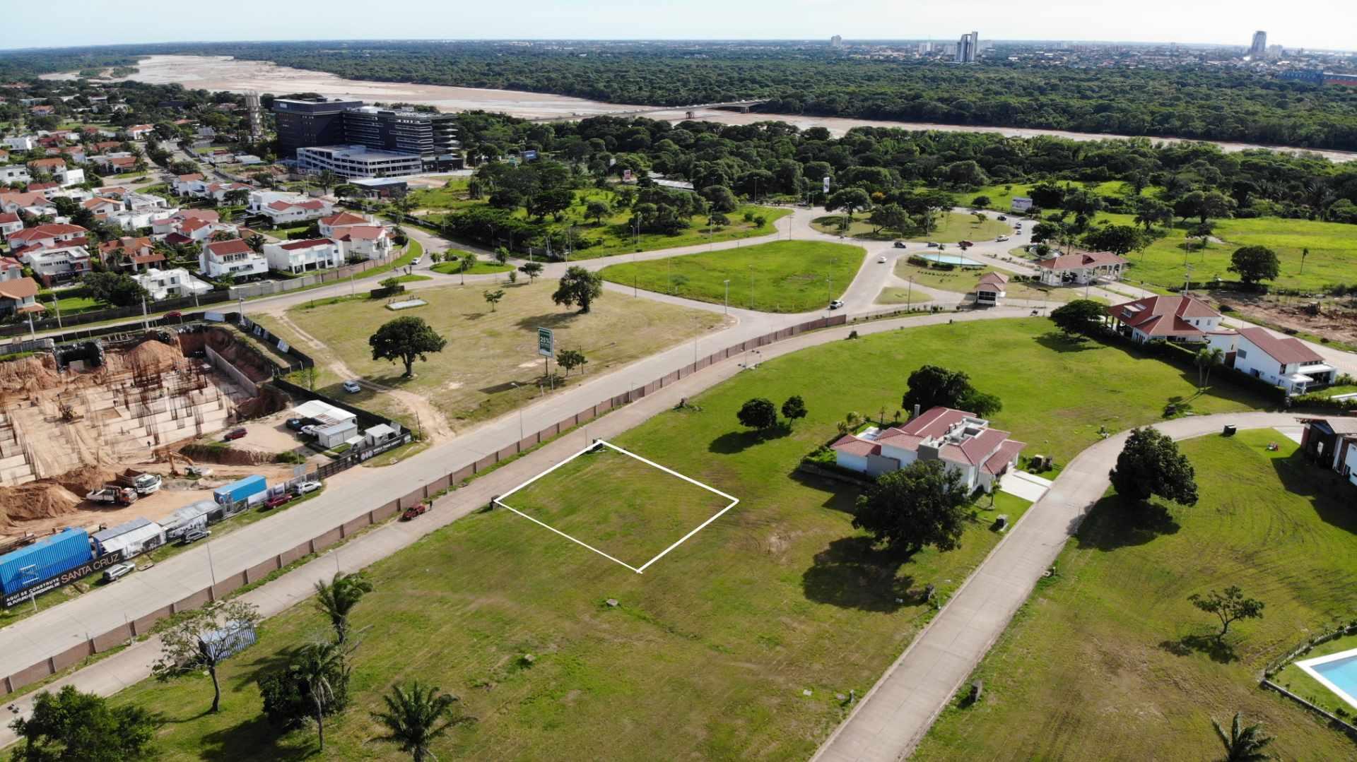Terreno en Venta Zona Urubo, Condominio Colinas del Urubo Foto 2