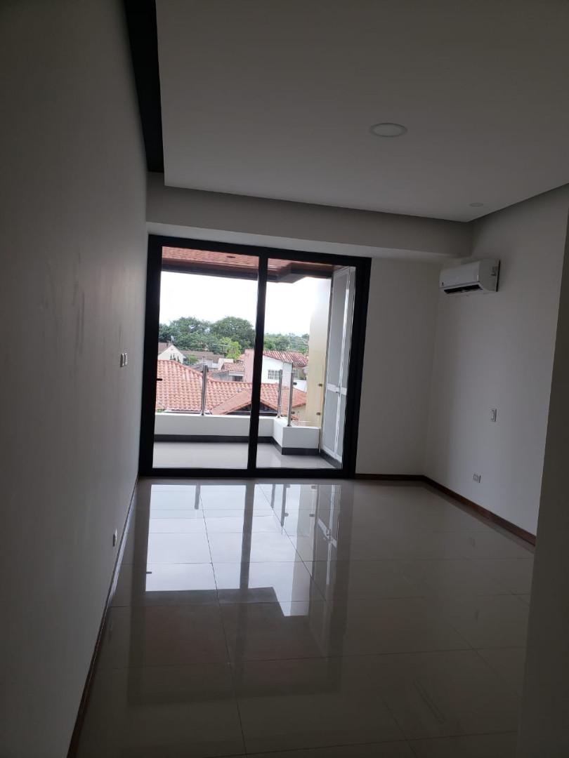 Departamento en Venta Barrio Sirari, Calle Los Pinos, Condominio SKY DESIGN Foto 13