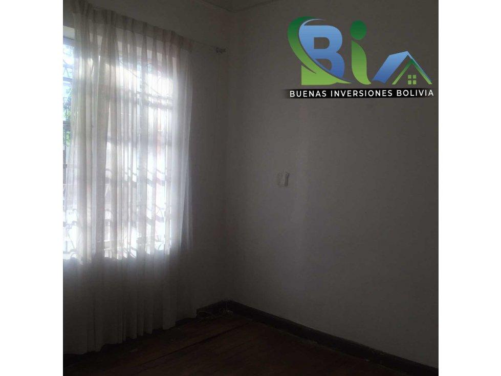 Casa en Alquiler $us 700.- CASA IDEAL OFICINA/VIVIENDA ZONA CENTRAL Foto 12