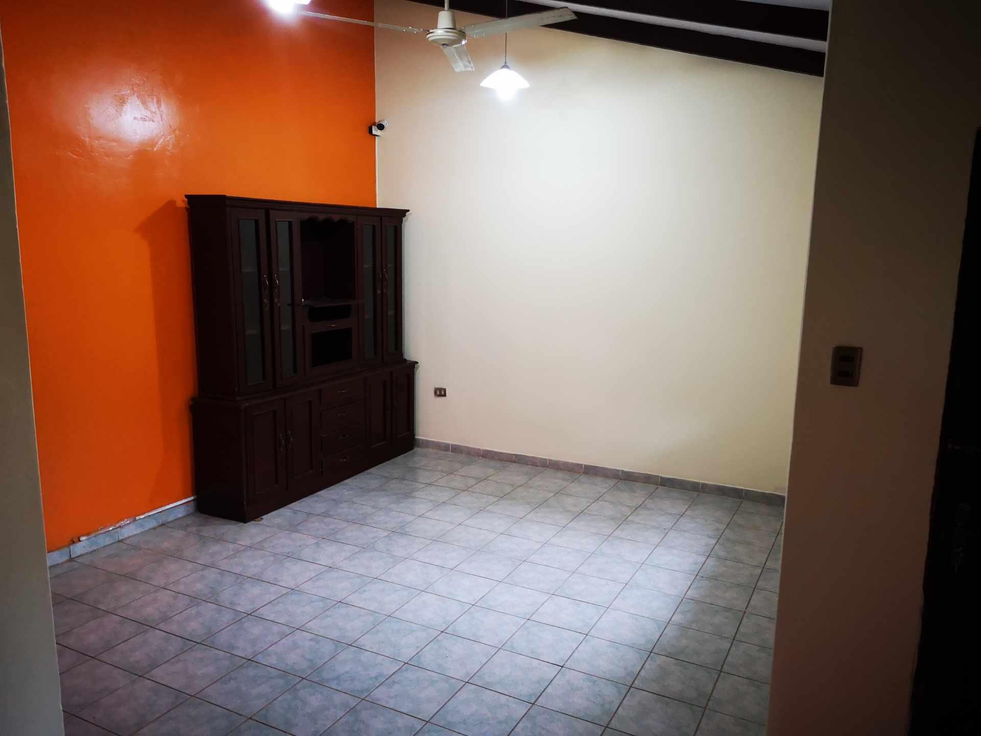 Casa en Alquiler Entre 4to y 5to anilo, entre Radial 10 y Av Sudamericana Calle Asoka Foto 9