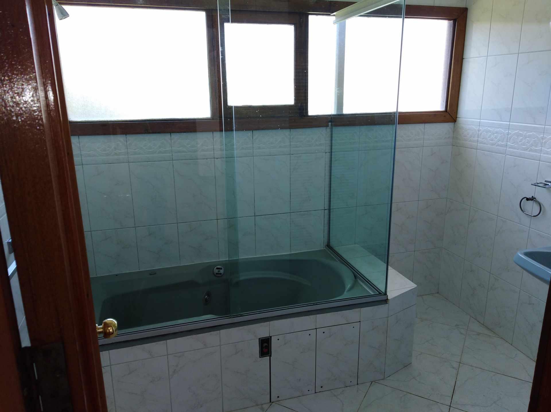 Casa en Alquiler CALACOTO calle 16 a 1/2 cuadra de la Av. Julio C. Patiño.  Foto 44