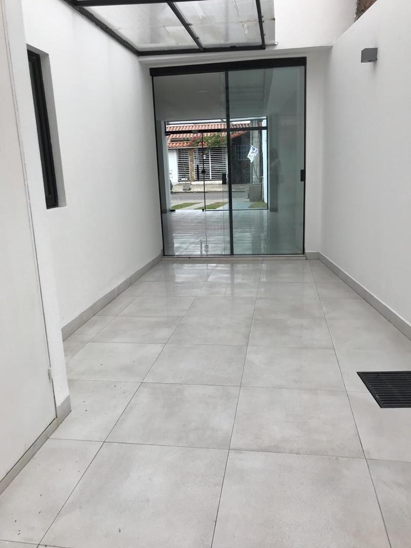 Departamento en Alquiler Zona Oeste entre 1ro y 2do anillo (cerca av. Pirai) Foto 10