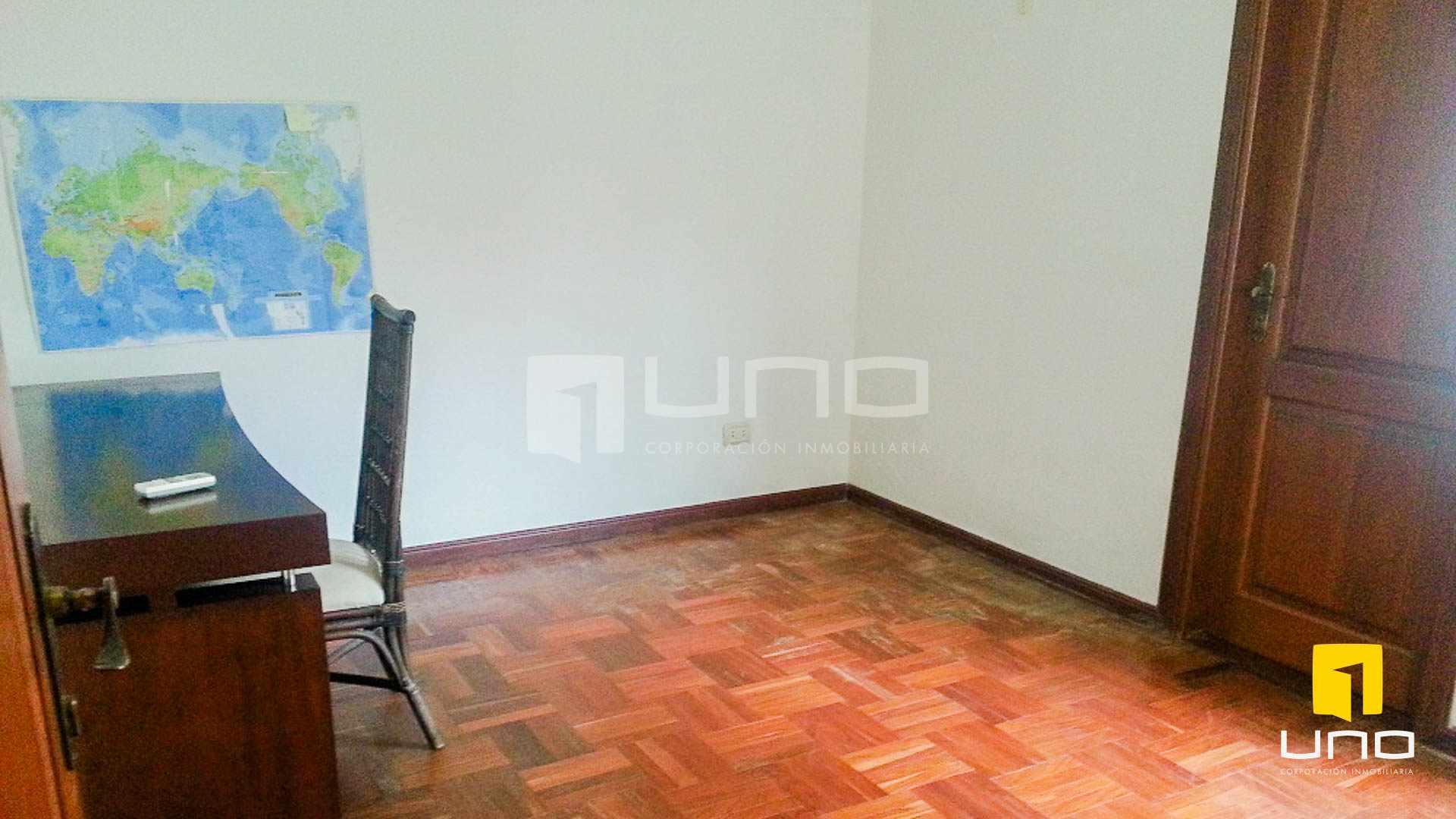 Casa en Alquiler Barrio Las Palmas alquilo amplia casa  con muebles y piscina Foto 7