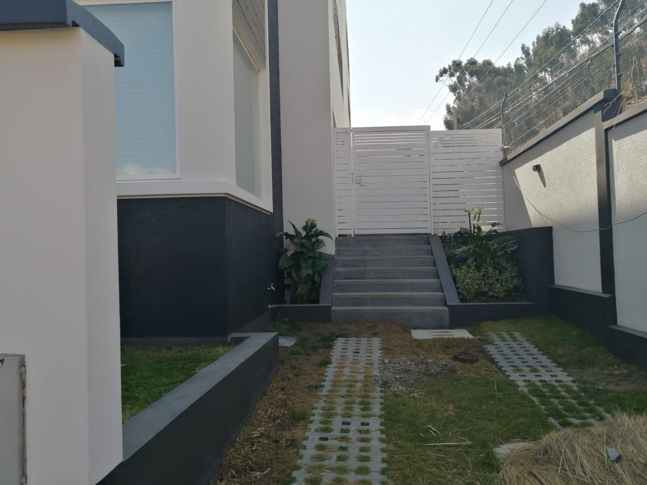 Casa en Alquiler ALQUILER HERMOSA CASA EN ALQUILER ACHUMANI LPZ Foto 4