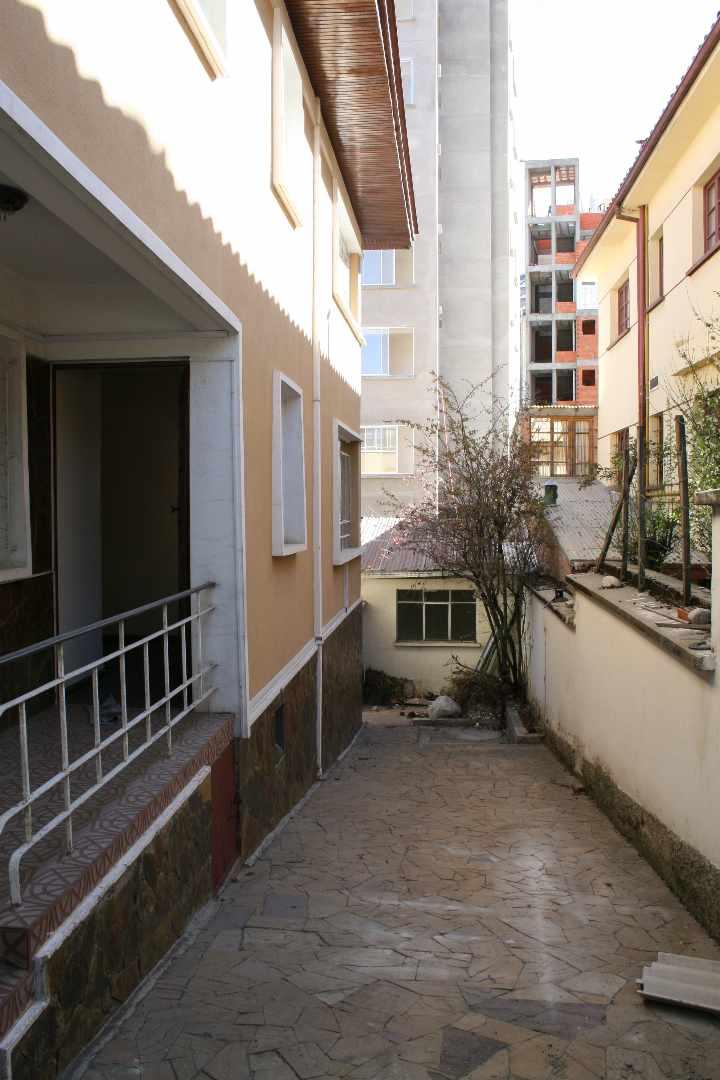 Casa en Alquiler Calle Guerrilleros Lanza 1238 Foto 3