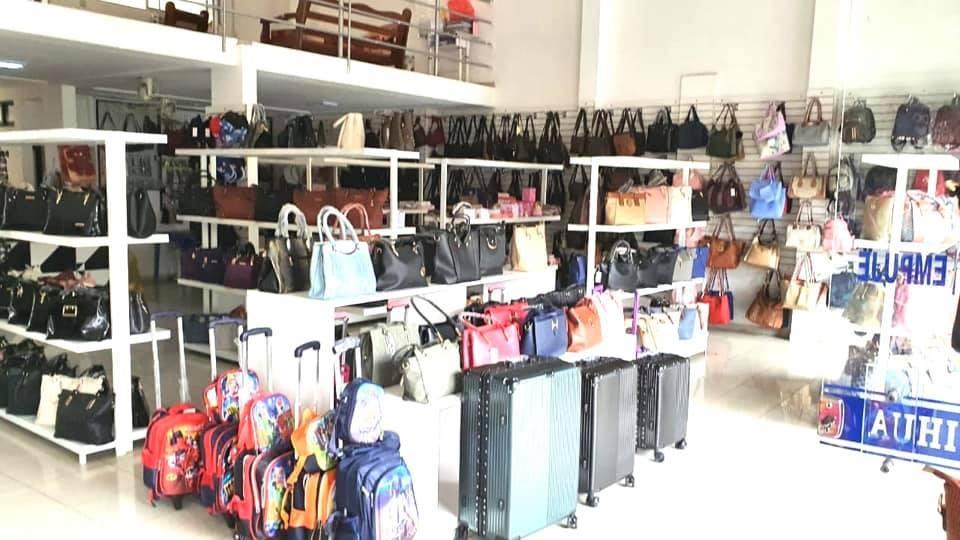 Local comercial en Venta AVENIDA OMAR CHAVEZ Foto 5