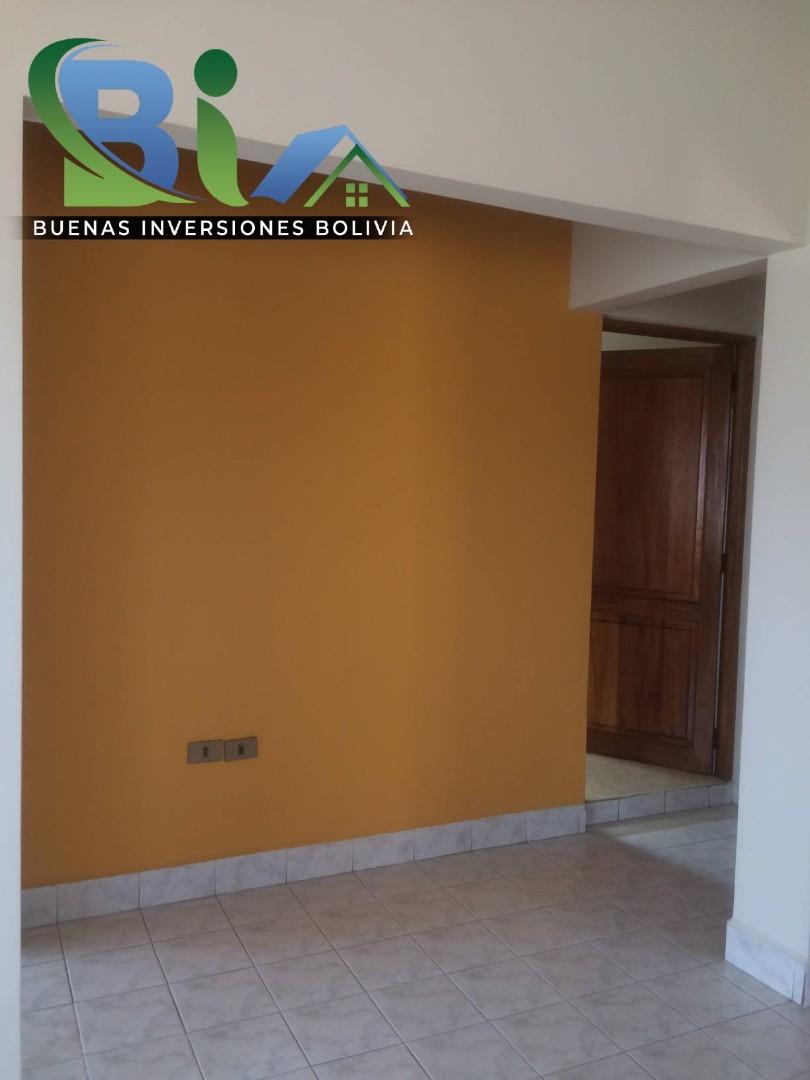 Casa en Alquiler $us.450.- CASA INDEPENDIENTE TRES PLANTAS ZONA CHIMBA PARQUE ACUATICO Foto 8
