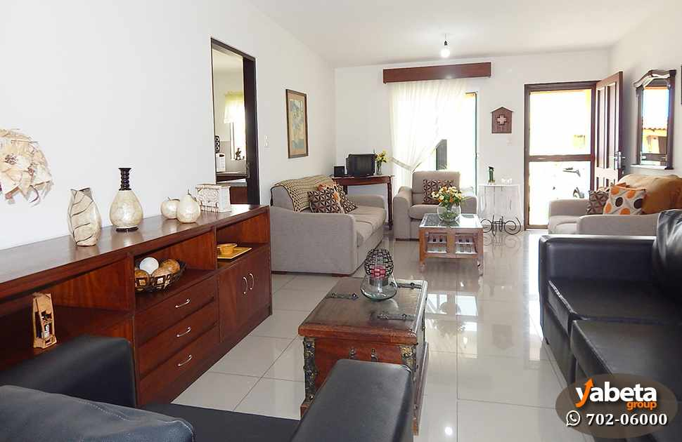 Casa en Venta Casa de 4 Dormitorios Cond. Sevilla Los Jardines Foto 3