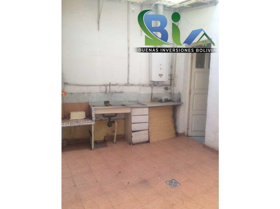 Casa en Alquiler $us 700.- CASA IDEAL OFICINA/VIVIENDA ZONA CENTRAL Foto 9