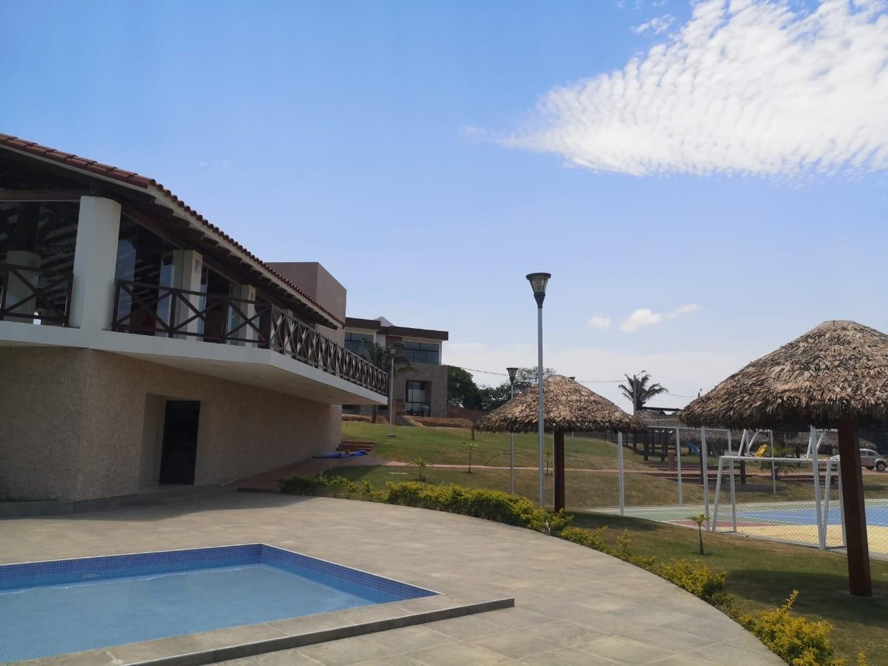 Casa en Venta ¡MODERNA Y AMPLIA CASA EN VENTA EN EL CONDOMINIO CERRADO LOMAS DEL BOSQUE, URUBO! Foto 21