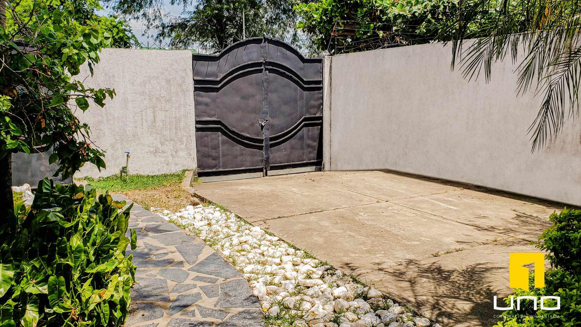 Casa en Venta $us 260.000 VENDO CASA BARRIO LAS PALMAS Foto 2