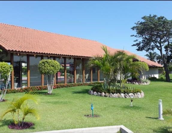 Terreno en Venta Urubo condominio Arelis lado salón de eventos Emperador Foto 16